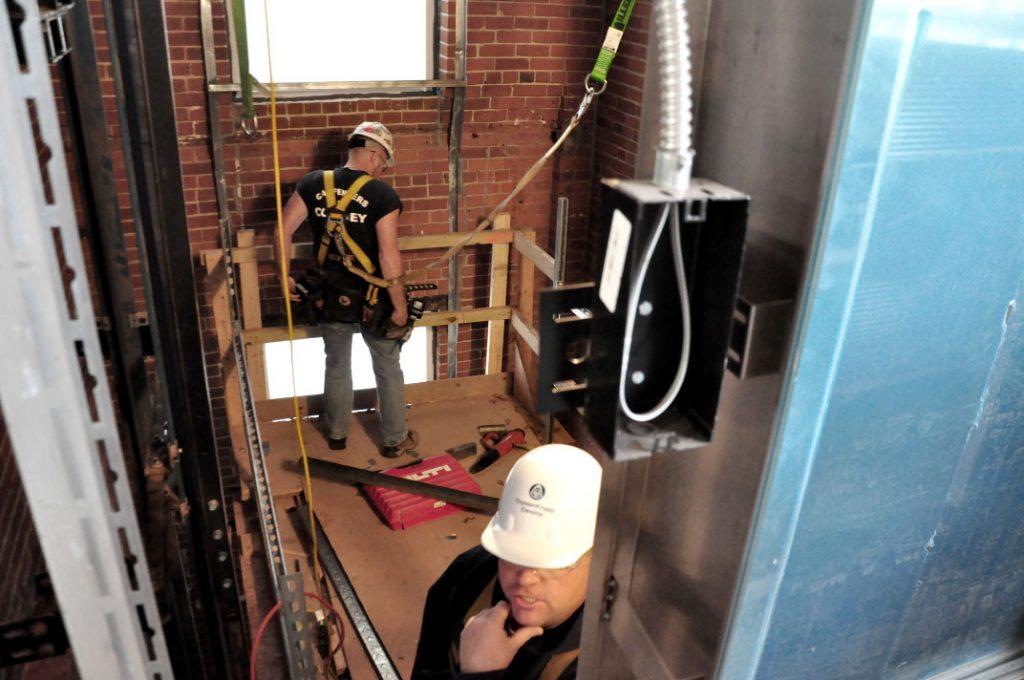 بازرسی آسانسور کارگاهی